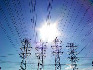 Kosztowna modernizacja linii energetycznych: wydatki siegną 28 mld zł