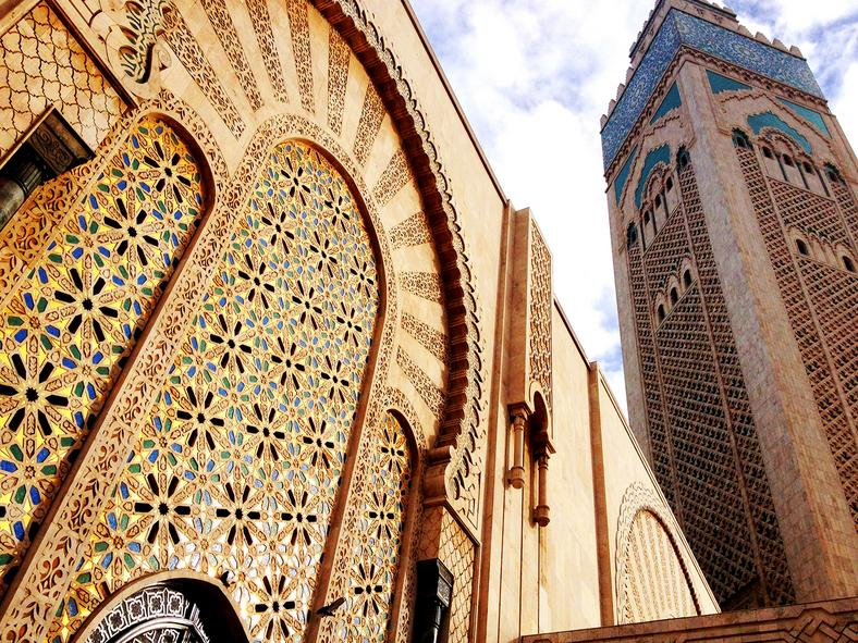 The Hassan II mosque (masjid al-Hassan ath-thani) is one of the largest mosques in the world
