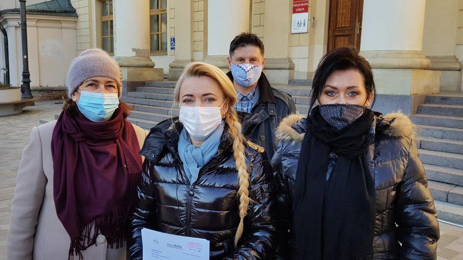 Marta Wcisło protestuje przeciwko wysypisku śmieci