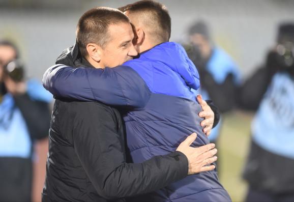 Strateg Partizana Zoran Mirković i trener Proletera Dragan Radojičić