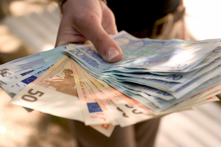 100 evra profimedia-0003519032