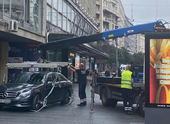 Automobil u Knez Mihailovoj