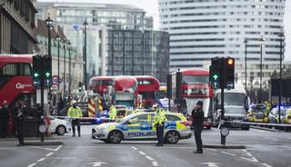 Atak w Londynie. Cztery osoby nie żyją, w tym policjant i napastnik. 20 osób jest rannych