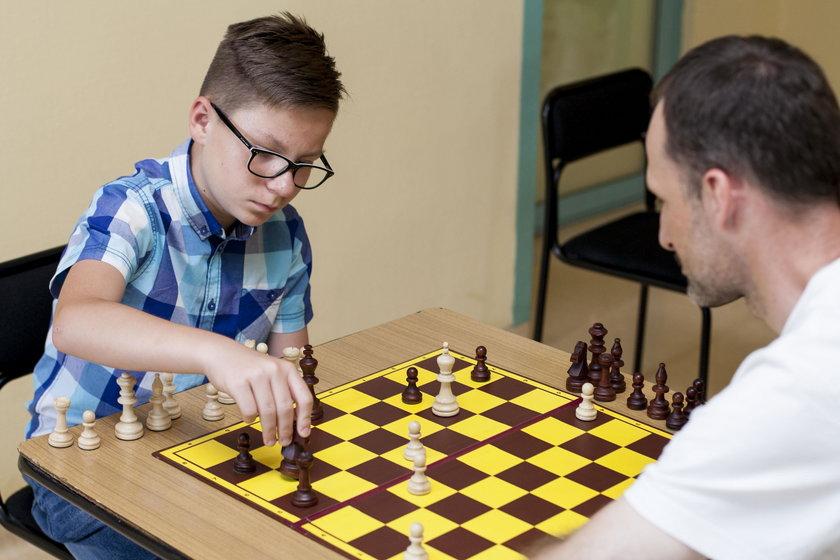 Pacjenci grają w szachy