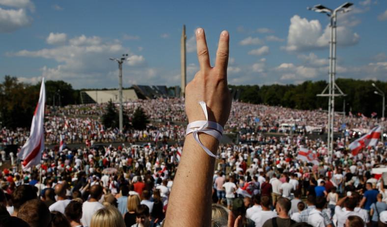Białoruś Mińsk biała wstążka