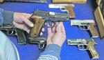 Liberalno kad je oružje u pitanju: Jedna osoba legalno može posedovati pet pištolja i sedam lovačkih pušaka