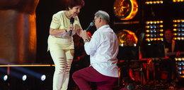 """Oświadczyny w """"The Voice Senior"""". 67-letni uczestnik zrobił to na scenie"""