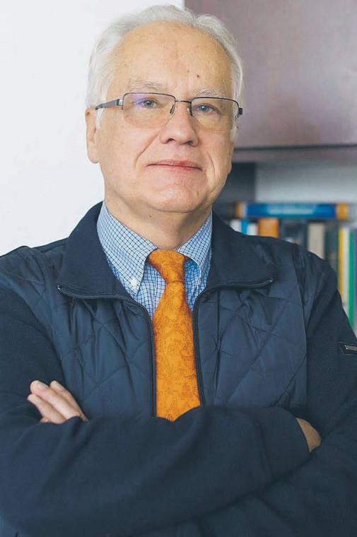 prof. Zbigniew Fijałek – kierownik Zakładu Farmacji Kryminalistycznej, szef Zespołu ds. Sfałszowanych Leków Wydziału Farmaceutycznego Warszawskiego Uniwersytetu Medycznego, w latach 2005–2015 dyrektor Narodowego Instytutu Leków  fot. Materiały prasowe
