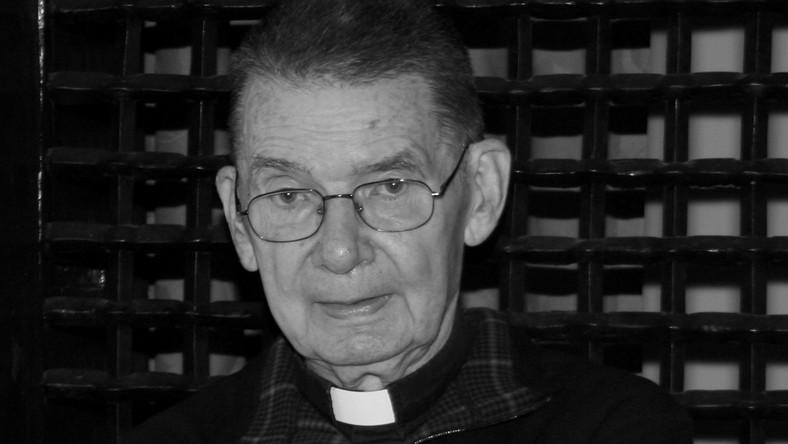 Na zdjęciu archiwalnym z 23.10.2005 r. ksiądz Mieczysław Maliński