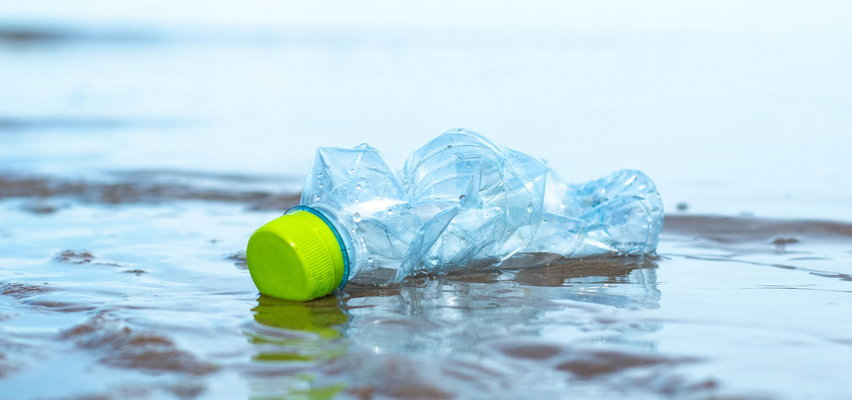 Tak młodzi Polacy chcą walczyć z plastikowymi śmieciami. Czy ich pomysły się sprawdzą?