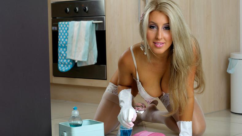 Firma Nude House Cleaners posiada placówki w USA, Kanadzie, Wielkiej Brytanii oraz Australii