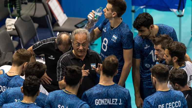 Julio Velasco (w środku)
