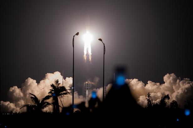 Chińska rakieta z serii Długi Marsz