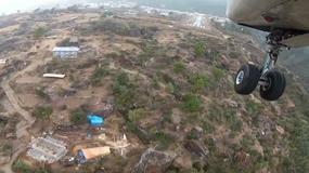 Lądowanie na jednym z najbardziej niebezpiecznych lotnisk na świecie [WIDEO]