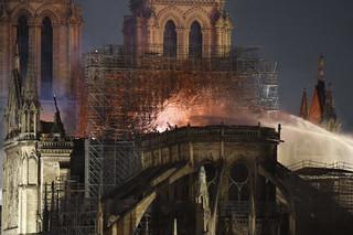 Francja ogłosi konkurs na projekt rekonstrukcji iglicy Notre Dame