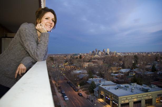 Gdy chcemy przeszklić balkon albo połączyć go z pokojem, potrzebujemy aprobaty spółdzielni mieszkaniowej i załatwienia formalności w gminie