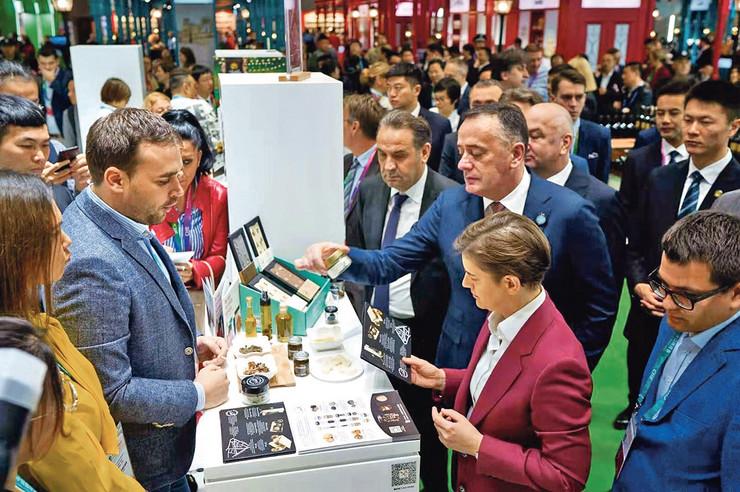 Proizvodi izloženi na Nacionalnom štandu Srbije na Kineskom sajmu uvoza