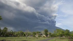 Wulkan Agung może w każdej chwili wybuchnąć. Na Bali zamknięto lotnisko