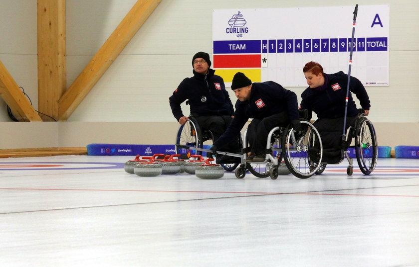 Tor do curlingu w Łodzi