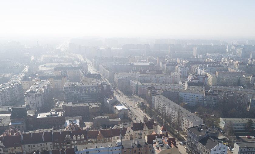 Wrocław miał w poniedziałek rano najgorsze powietrze na świecie.