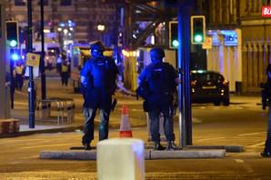 London: Automobil udario PEŠAKE PRED DŽAMIJOM, dvoje povređenih