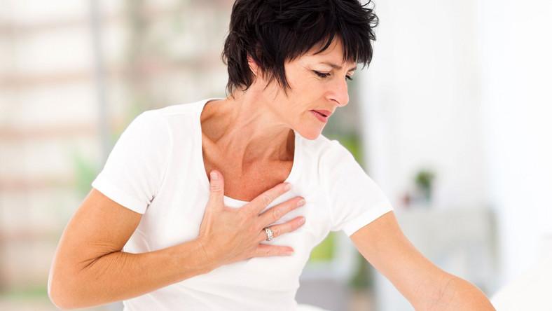 Kobieta ma zawał serca