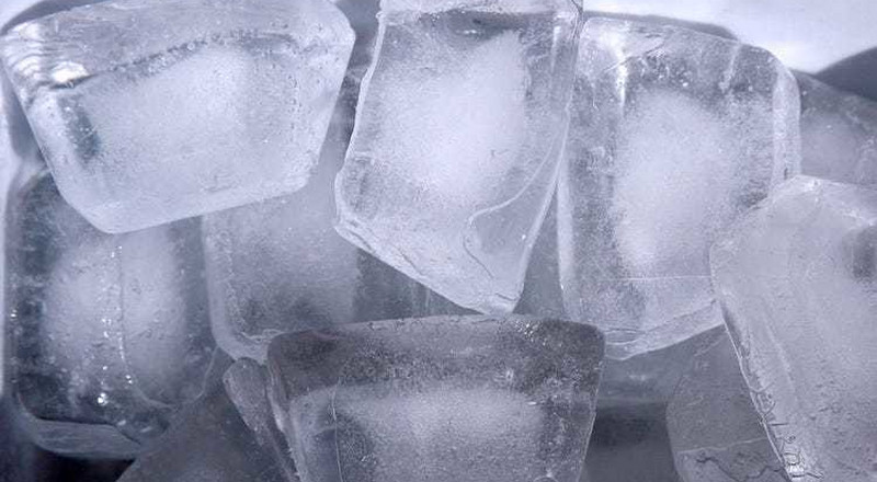 Incredible benefits of rubbing ice cubes on your face