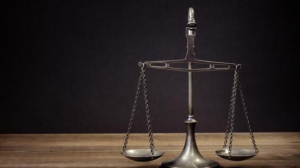 Rząd PO-PSL zrezygnował z pomysłu upublicznienia oświadczeń majątkowych.