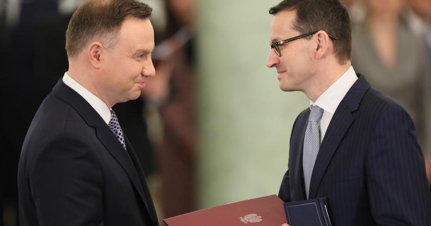 Mateusz Morawiecki odebrał w poniedziałek akt powołania na premiera z rąk prezydenta Andrzeja Dudy