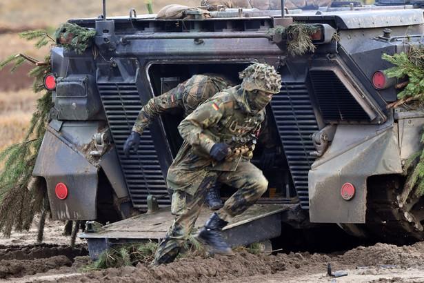 """Wojskowi obu krajów regularnie spotykają się na posiedzeniach tzw. Army Cooperation Group, która koordynuje i ewentualnie dostosowuje wytyczone cele. Podczas ostatnich konsultacji sztabowych w lutym 2018 r. zapadła decyzja, że od 2019 r. nowym partnerem 41. Brygady Grenadierów Pancernych """"Vorpommern"""" będzie 10. Brygada Kawalerii Pancernej (10. BKPanc)."""