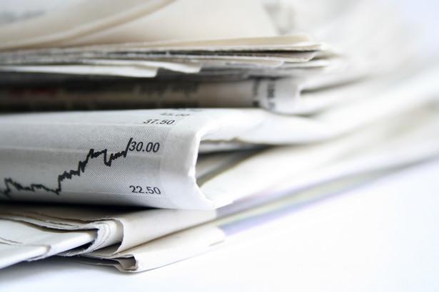 """Prócz """"Rzeczpospolitej"""" (oraz """"Parkietu"""" i """"Życia Warszawy"""") do Mecomu w Polsce należą jeszcze 22 inne tytuły skupione w firmie Media Regionalne, przy czym połowa to gazety bezpłatne, a także 51 portali internetowych i 8 małych drukarni."""