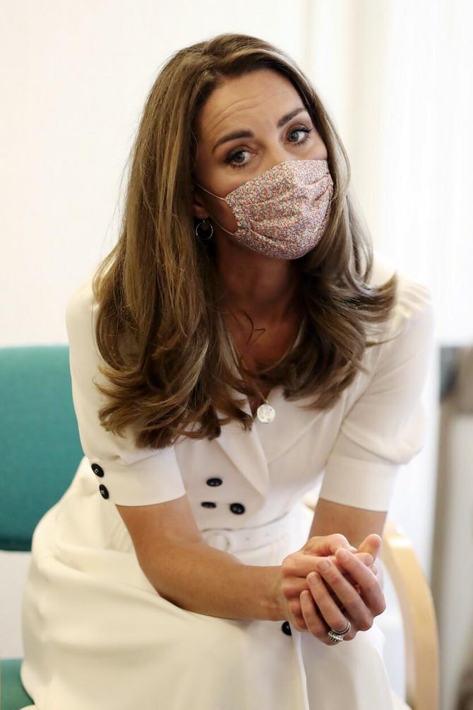 Kejt je ponela masku prvi put od početka pandemije