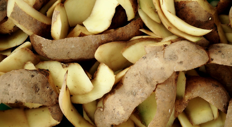 Great reasons why you should eat potato peels