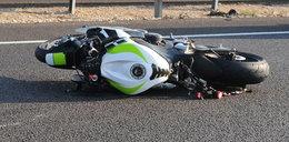 Motocykl wjechał w przystanek autobusowy w Radomiu. Trzy osoby ranne