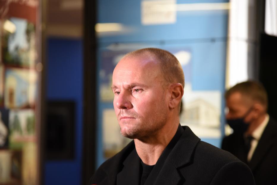 Barátai szerint Ildikó fia, Csaba belefogyott a gyászba, szemeit a búcsúztató alatt gyakran elöntötték a könnyek/Fotó: Jaeger Ákos