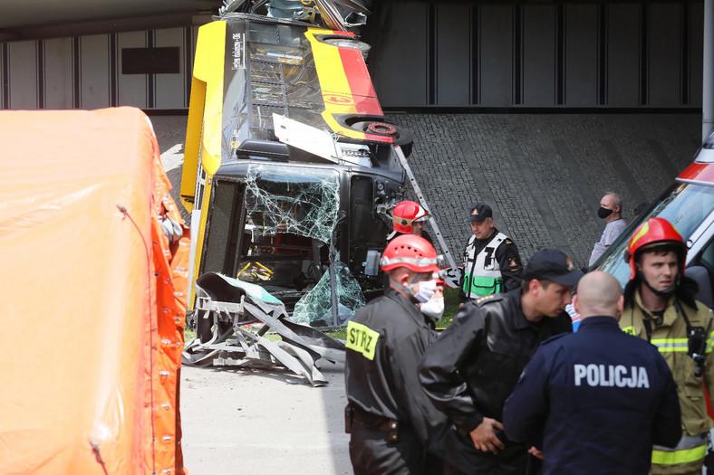 Miejsce wypadku autobusu miejskiego w Warszawie