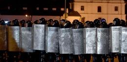 Demonstracja w Mińsku. Kolejne aresztowania. OMON zablokował ludzi w kościele