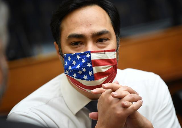 Tramp je protuva koja ne plaća porez - Hoakin Kastro