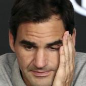 ŠTA OVO BI? Rodžer Federer HITNO OPERISAN, Švajcarac šokirao navijače terminom POVRATKA NA TEREN /FOTO/