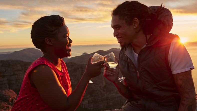 Couple in scenic location for Valentine's [Cape town tourism]