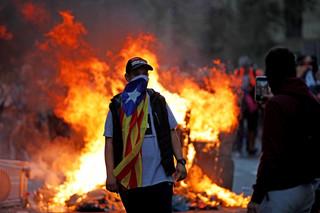 Ponad pół miliona demonstrantów wyszło na ulice Barcelony. Domagają się wolnej Katalonii