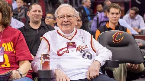 Co robi Warren Buffett po pracy? Głównie - czyta i odpoczywa