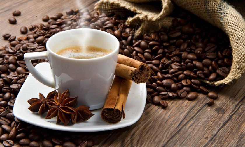 Kawa z miodem, cynamonem i olejem kokosowym odchudza?