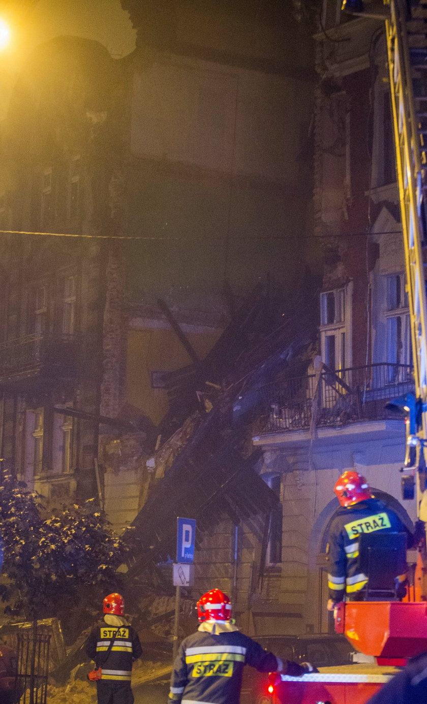 Kamienica zawaliła się częściowo, runął dach