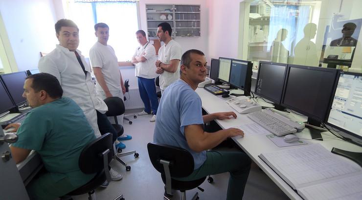 zdravstveni radnici doktori