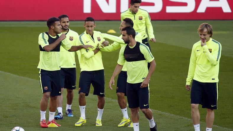 Liga Mistrzów: Mecz PSG - Barcelona elektryzuje Francję