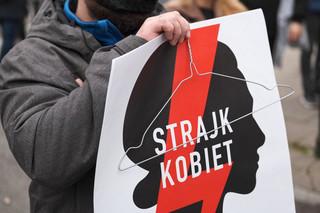 Plakaty z symbolem protestów w przedszkolu integracyjnym. Kurator oświaty interweniuje