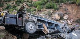 Wypadek autokaru z turystami w Tunezji. Nie żyją 22 osoby
