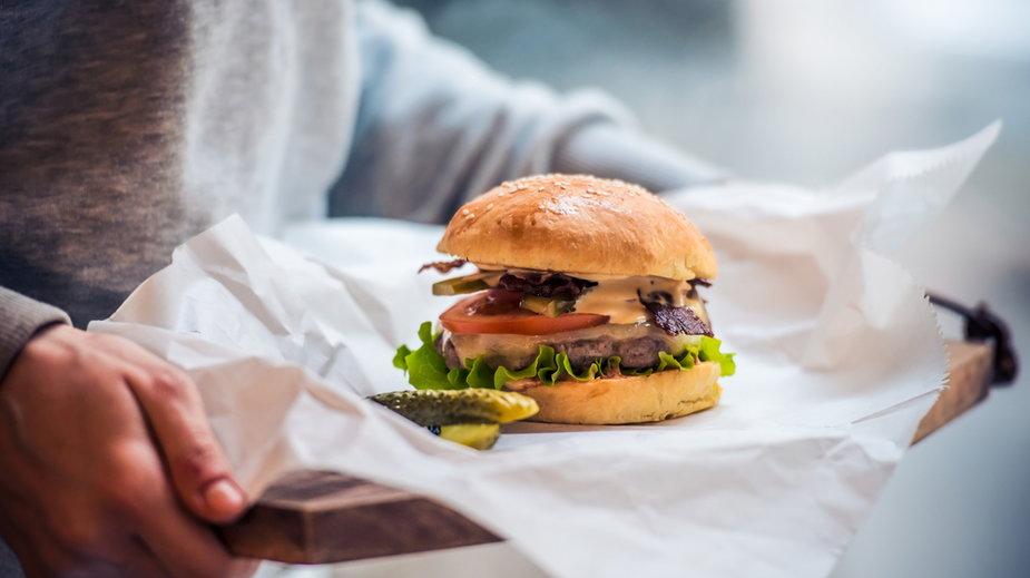Restauracja z dwiema gwiazdkami Michelin  robi burgery, żeby przetrwać
