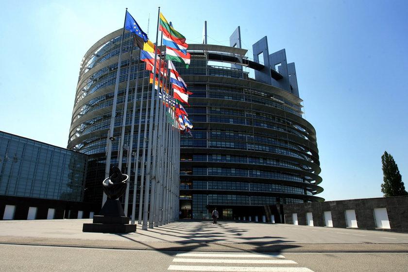 Wakacje europosłów